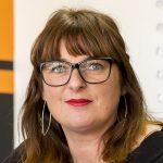 Cécile, responsable de l'auto-école Louise Michel à Narbonne